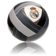Real Madrid labda CRUZAR